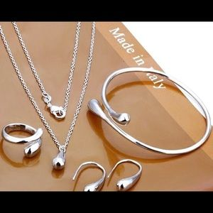 🎁NWT MADE IN ITALY SILVER SET JEWELRY VERY PRETTY
